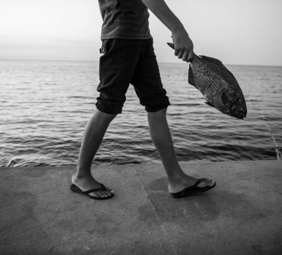 Foto para o ensaio PEZ, sobre os pescadores do Malecon, em Havana, Cuba - FOTO Henry Milleo