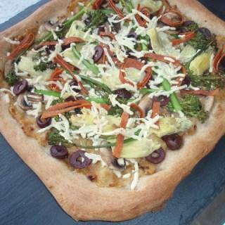 Caramelized Onion & Roasted Garlic Veggie Pizza