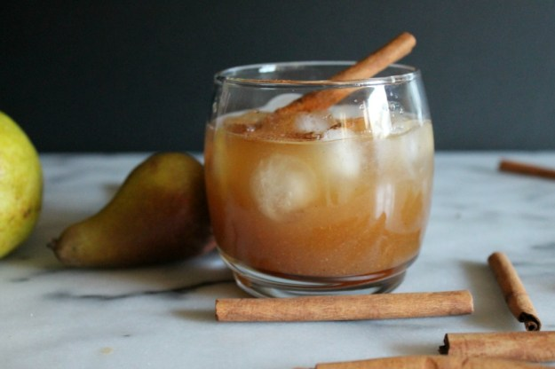 vanilla spiced pear cocktail