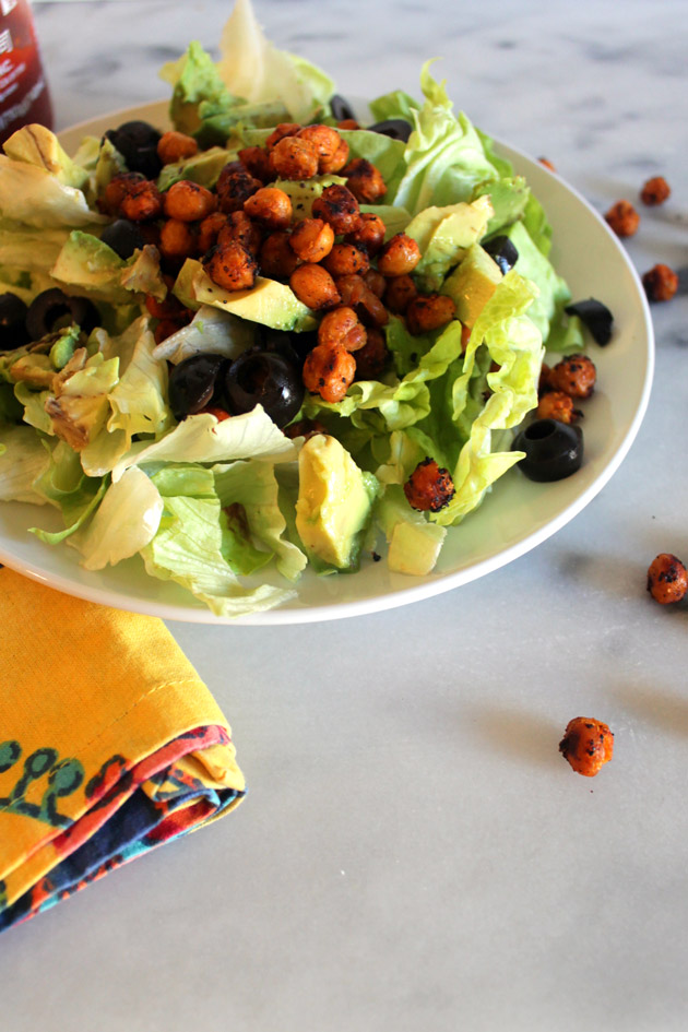 sriracha-garlic-roasted-chickpea-salad