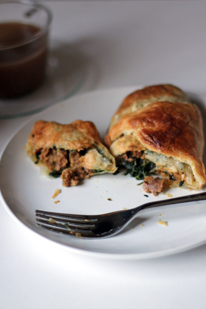 spinach and sausage breakfast croissant
