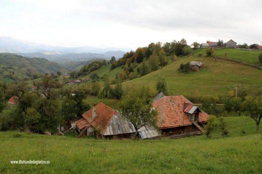 satul magura panorama bucegi