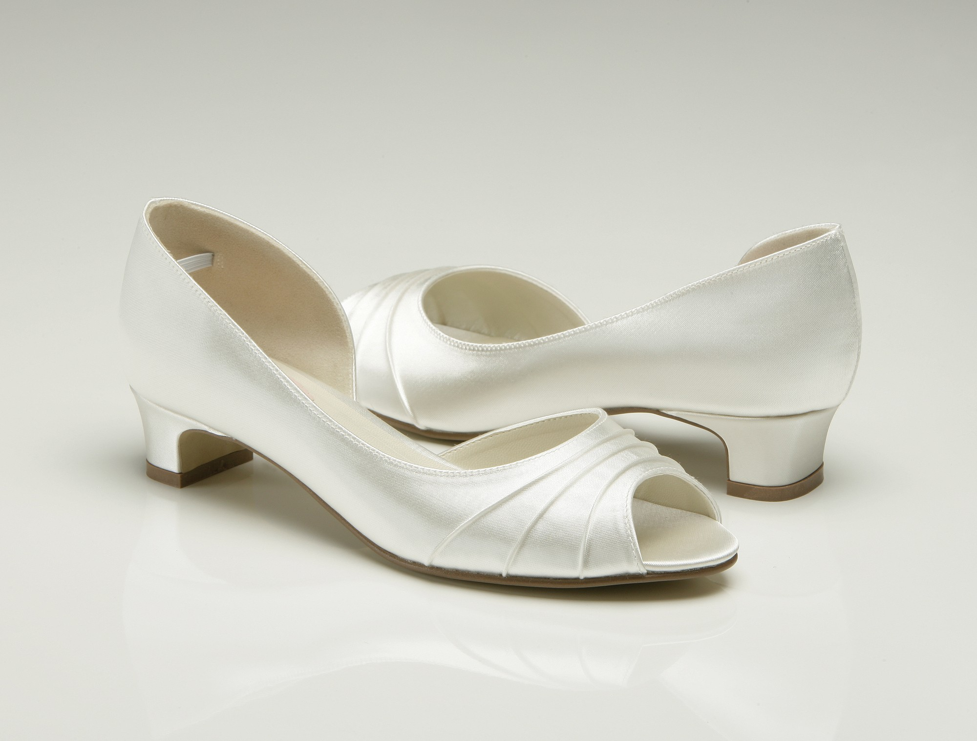white wedding shoes uk low heel wedding shoes wedges Low Heel Bridal Shoes Uk Wedges Flats Designer Photos Pics Images Wallpapers