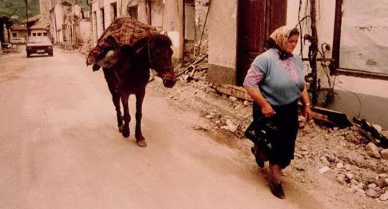 Foča, 1. maj 1992, Prijeka čaršija:PLJAČKA