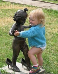 Playing-with-Statues-15
