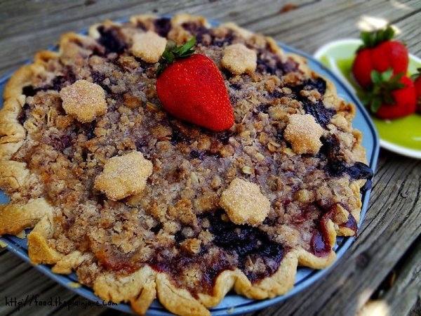berry-crumb-pie