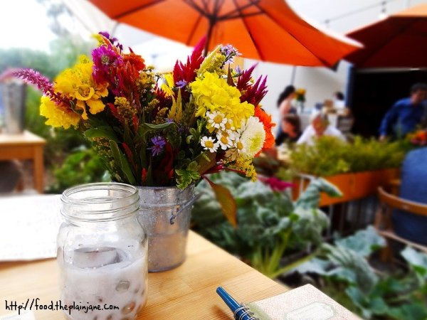 pretty-fresh-table-flowers