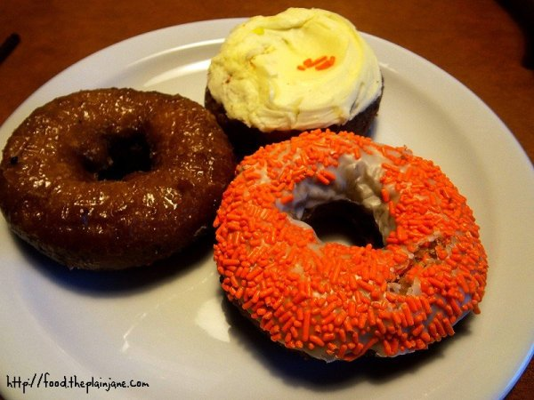 carrot-cake-donuts