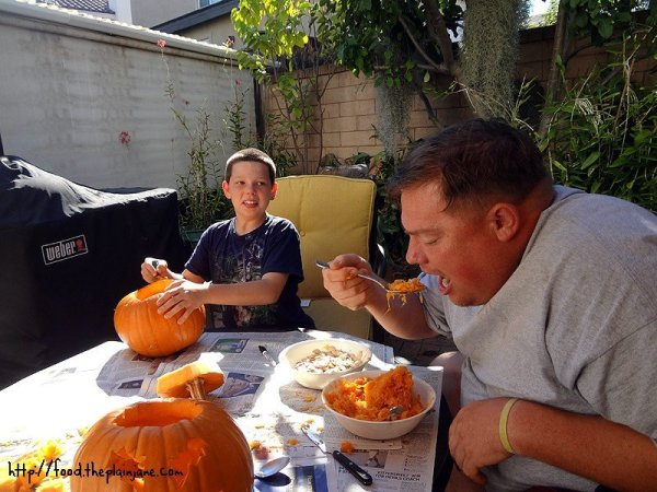 eating-pumpkin-guts