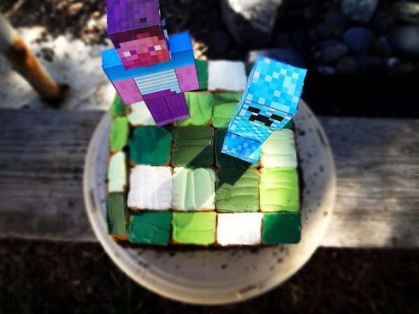 minecraft-cake-top-layer-pixel-squares