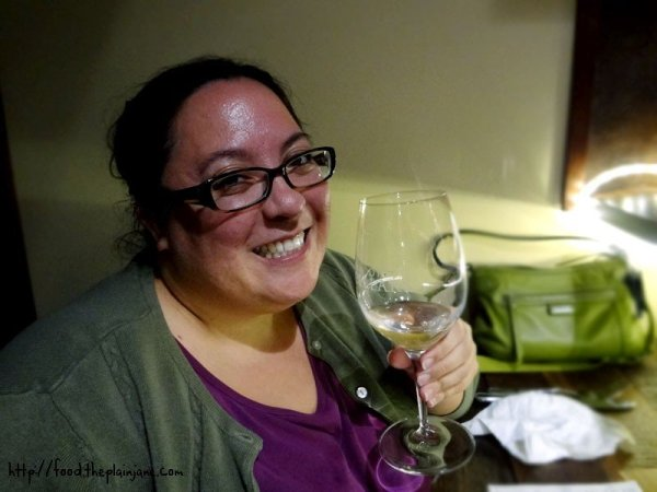 mary-white-wine