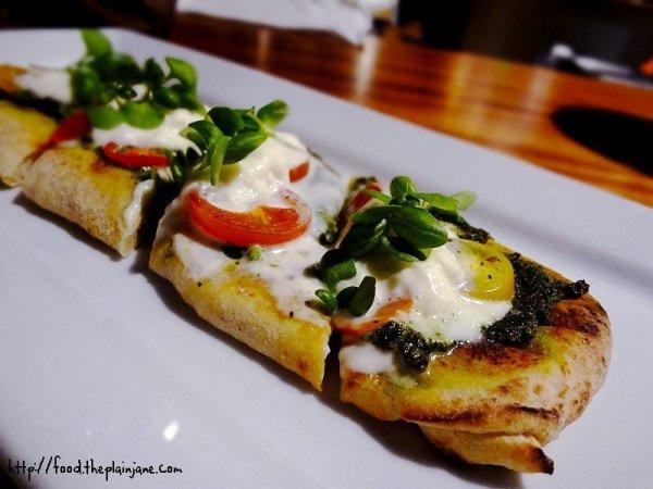 pistachio-pesto-burrata-flatbread