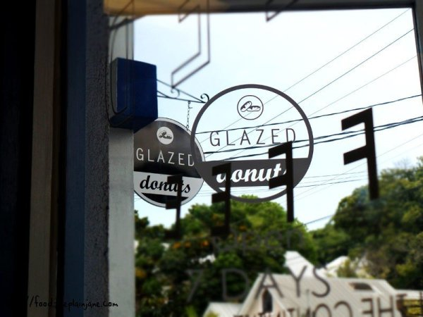 glazed-donut-shop-sign-key-west