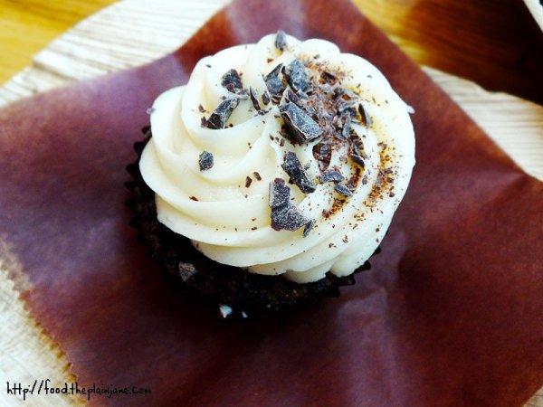 mocha-madness-cupcake