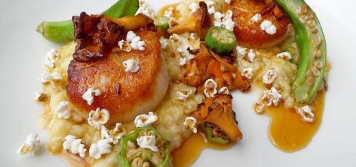 seared-scallops-with-tiny-popcorn-double-standard-san-diego