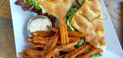 millionares-blt-with-sweet-potato-fries