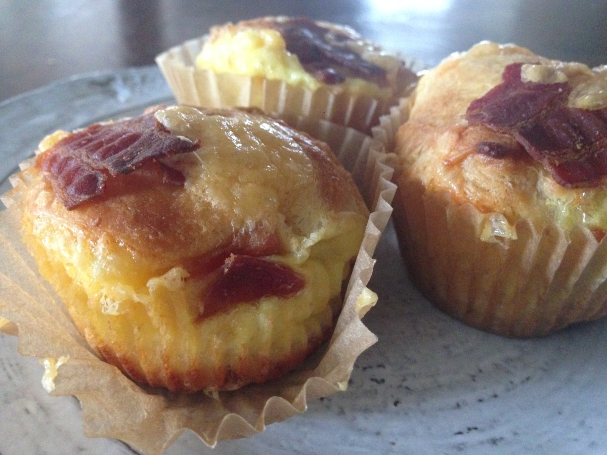Individual)) Puffy Cheesy Egg & Bacon Casseroles ((muffins ...