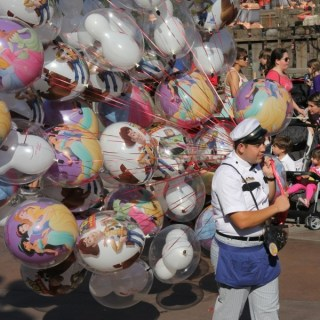 Disney's California Adventure Pixar Play Parade – Give Me Your Best Shot #PSF
