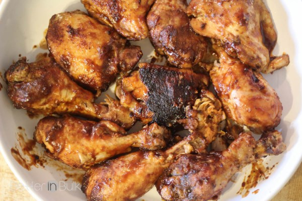 The BEST slow cooker BBQ chicken recipe - You've got to check out this one simple tip that will take your crockpot chicken drumsticks from good to can't get enough of them AMAZING.