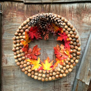 DIY Autumn Acorn Wreath Craft