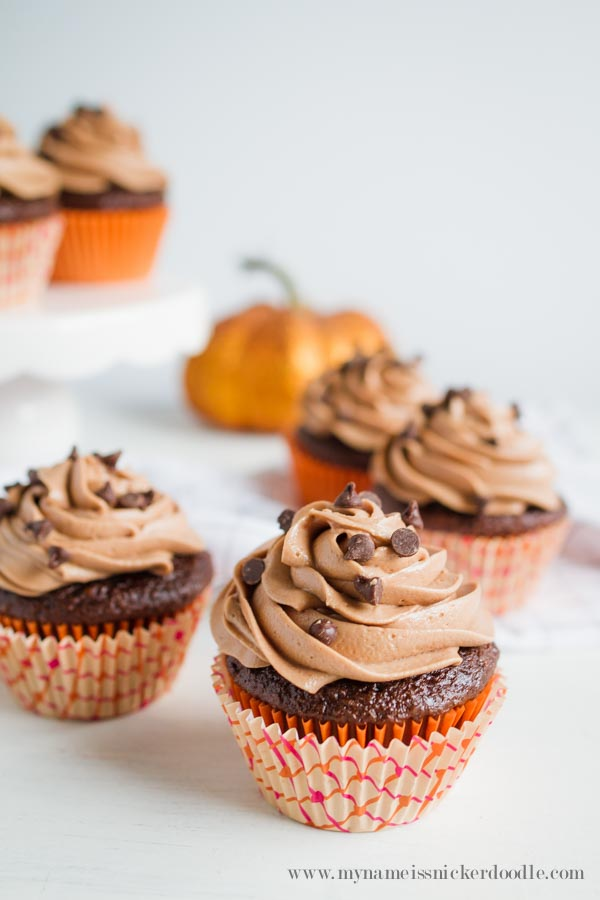 chocolate-pumpkin-cupcakes