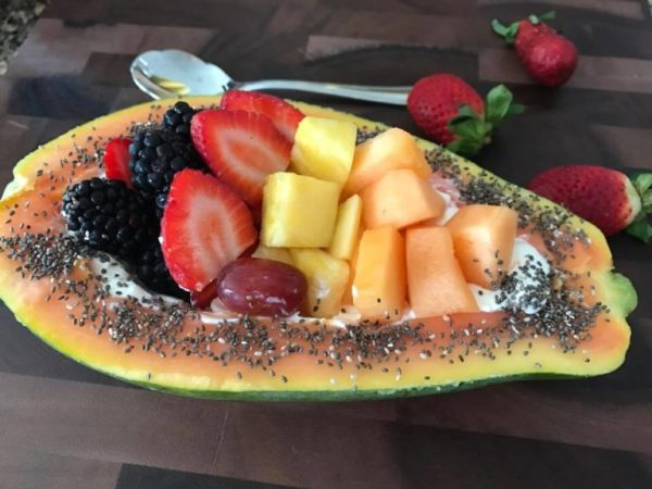 Papaya-bowl-with-fruit-slices-1-768x576