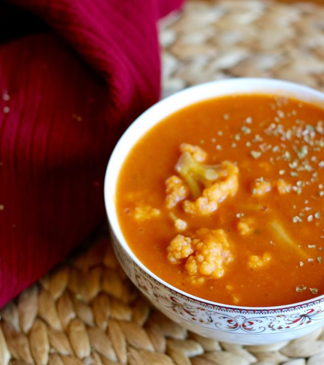 Creamy Tomato & Cauliflower Soup