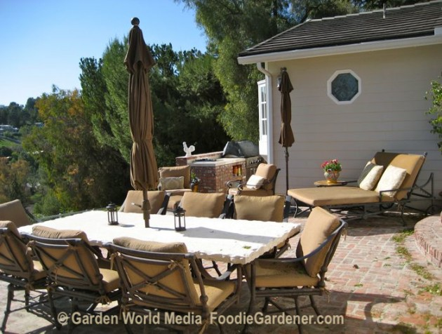 Five Tips For Creating Functional Outdoor Kitchens