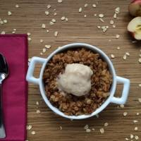 A Healthier & Rustic Apple Crisp that Won't Ruin Your New Year's Resolution