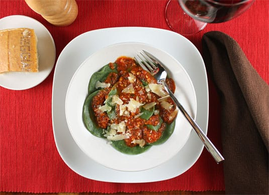 Spicy Spinach-Ricotta Ravioli with Light Tomato Sauce