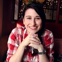 Lindsey Tramuta, freelance writer and blogger on Lost in Cheeseland. / FoodNouveau.com