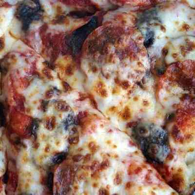 Join The #PizzaPandemonium With Papa Johns Pan Pizza!