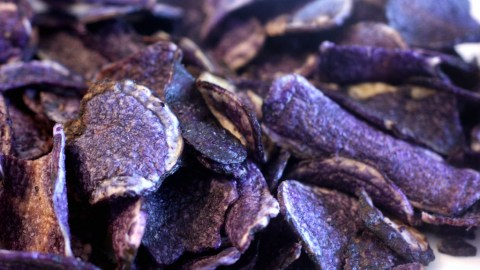 Some of the blue potatoes farmed at JFK will become Terra Chips. (Photo: urbanfoodie33/Flickr.)