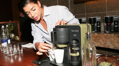 Model and entrepreneur Hannah Bronfman demonstrates how to use Tea-Ceré, the world's first at-home matcha maker. (Photo courtesy of Sharp USA.)