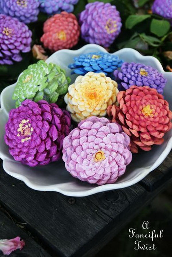 Festive diy pine cone crafts for your holiday decoration for Crafts using pine cones