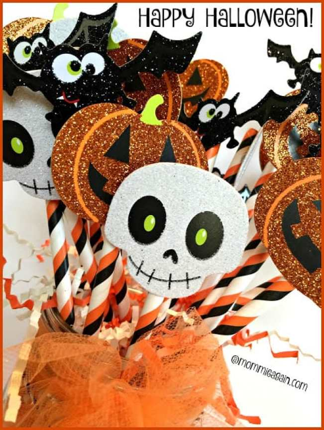 A Simple DIY Halloween Paper Craft only 3 items used