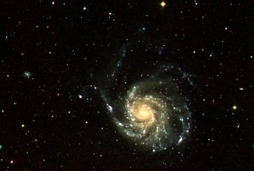galaxy-deep-in-space_w725_h574