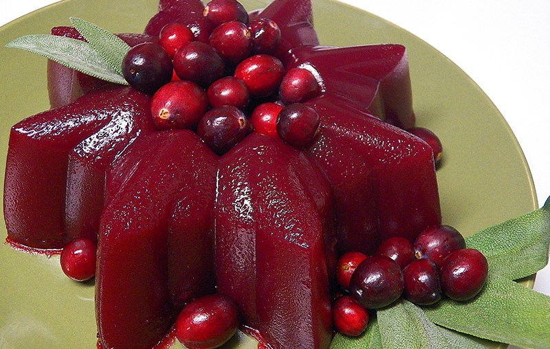 how to serve jellied cranberry sauce