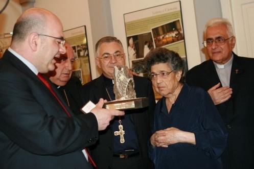 mamma natuzza y sacerdotes