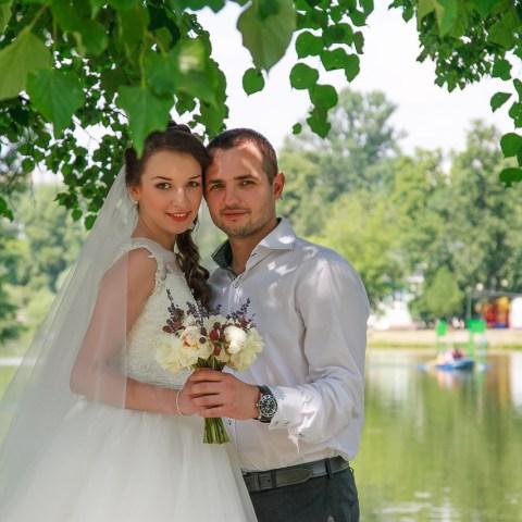 fotograf-na-svadbu-moskva-vdnch-foto-C