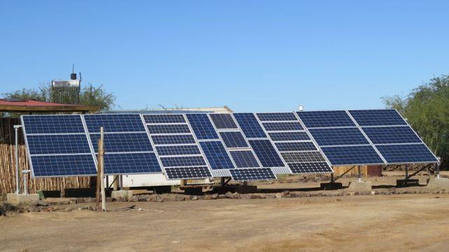 r-solar-panels-karoo-afrika-burn-trip-2016-444