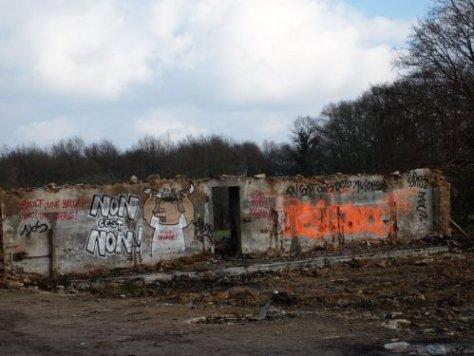 non c'est non - vinci degage-graffiti-france-soutien-ZAD