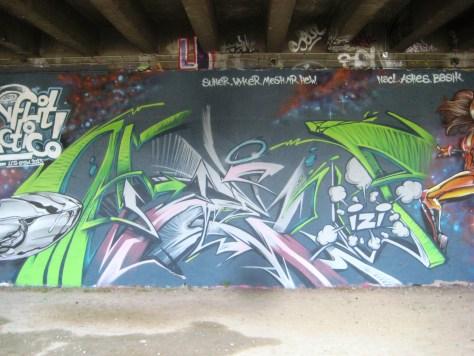 fresque-conflit galactic - LCG-IZI - graffiti - besancon (3)