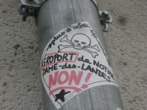 oct2013-non à l'aéroport de notre dame des landes - sticker - besancon