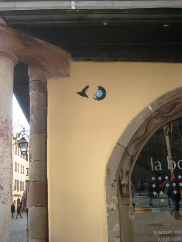 strasbourg 02.03.14 vinyle oiseau - streetart (1)
