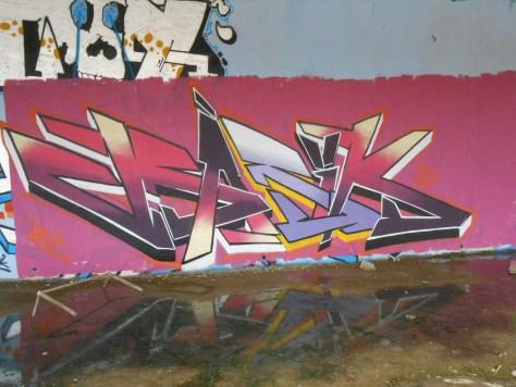 Basik, Wyker, Mesh-graffiti-besancon-juill2014 (2)