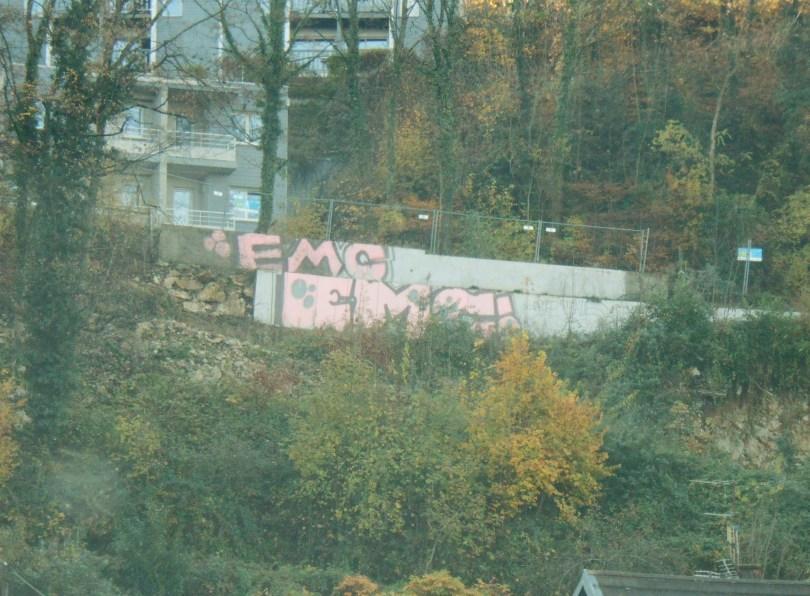 besancon - graffiti - novembre 2014 EMC EMC