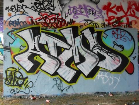 besancon juin 2015 graffiti ATMO