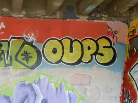 besancon juin 2015 graffiti Oups