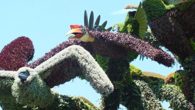 Tree of Birds (two birds) - Mosaiculture - Montreal Botancial Gardens
